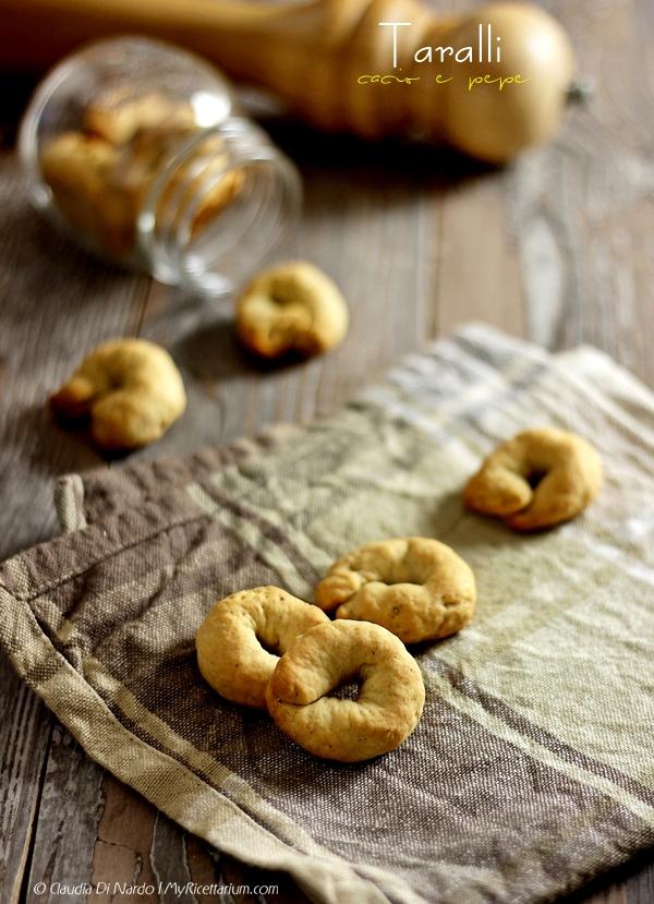 Taralli cacio e pepe (con esubero pasta madre)