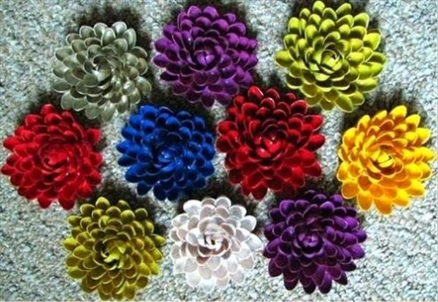 http://www.decoraydiviertete.net/2013/10/diy-cascaras-pistacho-flores.html