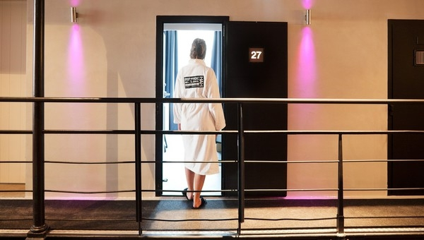13-Het-Arresthuis-Hotel-Prison-Converted-into-a-Luxurious-Boutique-Hotel-www-designstack-co