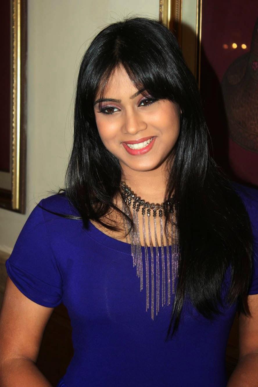 Pakistan Xnxx Actress Thulasi Nair Hot Wallpapers-7211