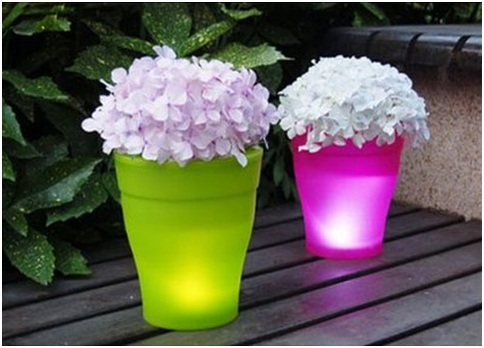 Illuminated flower pots. Plantpots with led lights