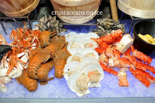 cuoco dating costar johnny galecki big: king crab space crustacean latino dating