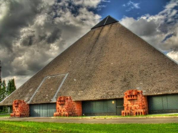 Mons avant mons apr s les pyramides de mons - Horaire piscine marcq en baroeul ...
