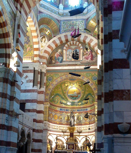 Basílica de Notre-Dame de Garde, mosaicos interior