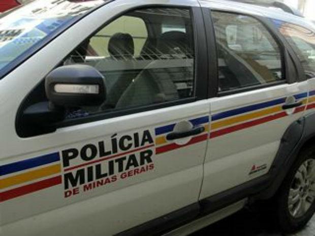 Bandidos armados rendem casal e roubam veículo com placas de Pinhal em Andradas(MG)