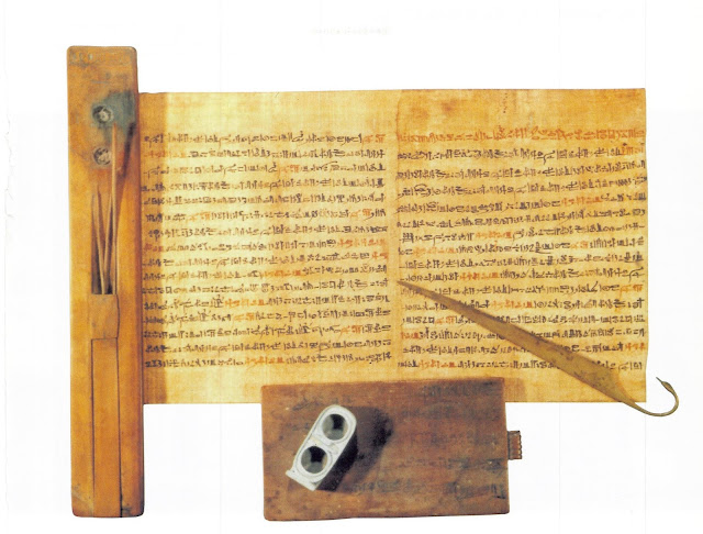 Papiro e instrumentos de escrito del Antiguo Egipto