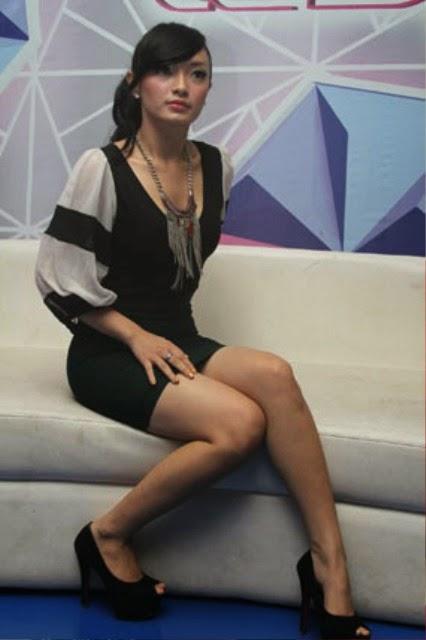 Bokep indonesia nikmatnya di emut kontol dengan wanita sexy wwwngentotyuksayangcom - 5 1