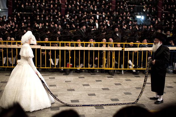 A Wedding with 25000 Jews from around the world new trends