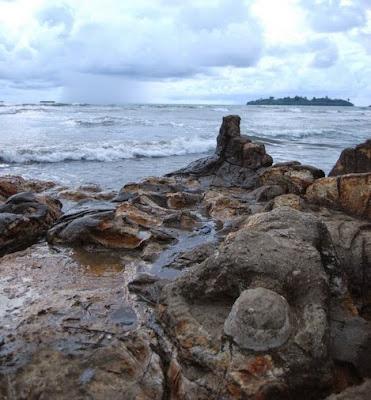 Pantai Air Mainis, Kutukan Malin Kundang