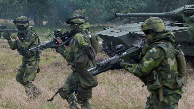 Agressividade russa tira suecos de tóxico sonho pacifista.