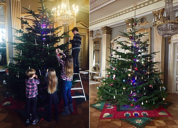 Prince Christian, Princess Isabella, Prince Vincent, Princess Josephine, Crown Prince Frederik and Crown Princess Mary at 2017 Christmas