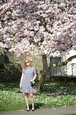 https://seaofteal.blogspot.de/2016/04/gingham-magnolia-burda-easy-fw-2012.html