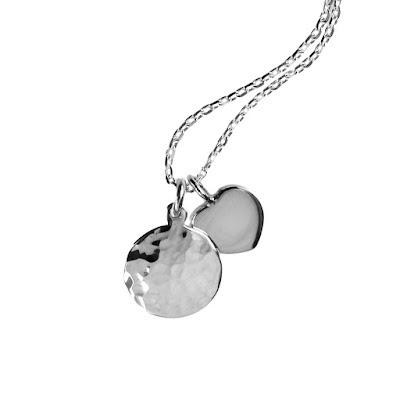 https://www.milasilver.se/smycken/halsband/m-halsband-moon-heart.html