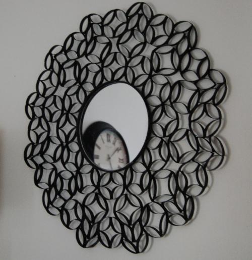 http://www.manualidades.name/_/reciclaje/reciclar-tubos-de-papel-higi%C3%A9nico-para-hacer-un-r1592