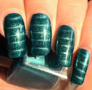 http://lenas-sofa.blogspot.de/2016/09/douglas-nails-3d-nail-varnish-turquoise.html