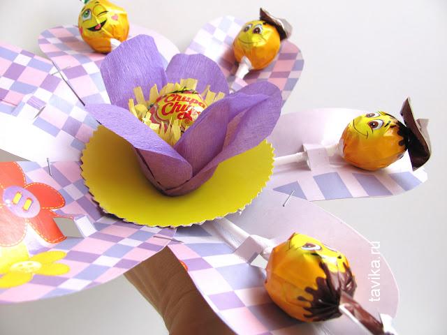 Цветок из чупа-чупсов для календаря ожидания дня рождения