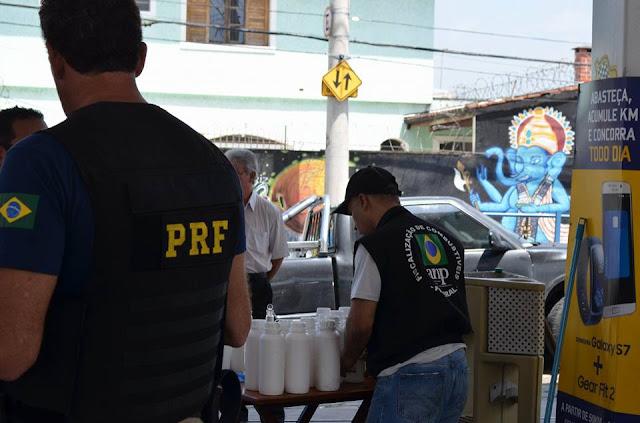 PRF e ANP realizam operação em postos de combustíveis na rodovia Fernão Dias