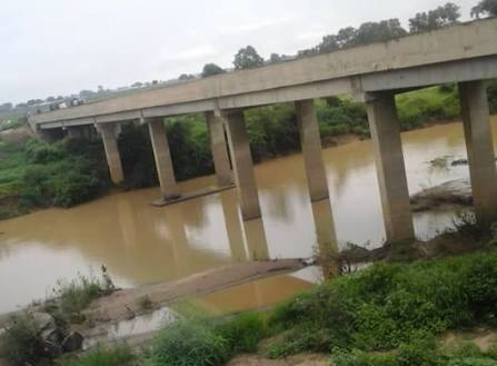 Shock As SUV Falls Into Big River In Abuja, Young Man Dies