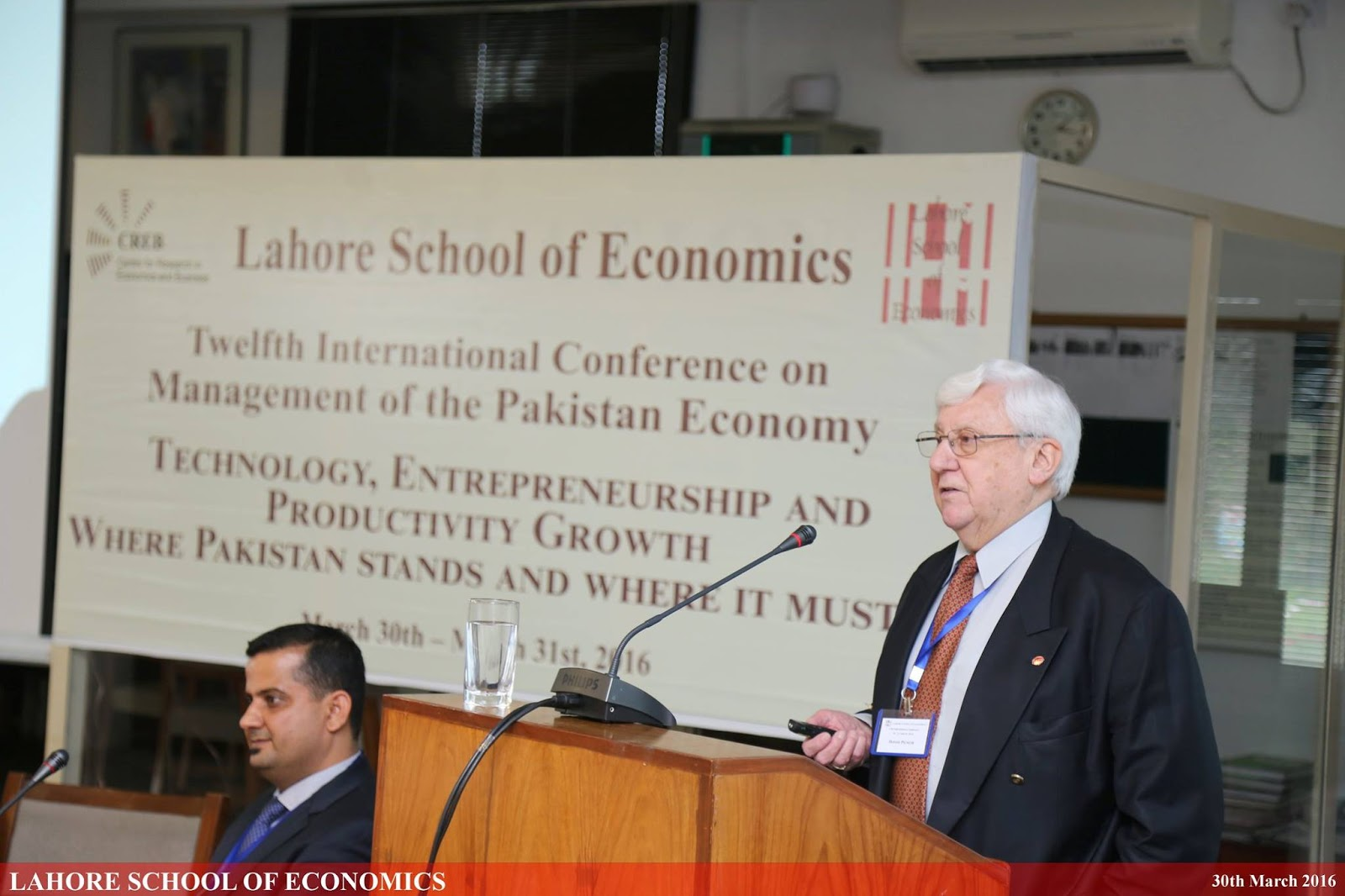 international trade and pakistan Trade between china and pakistan hit a 12-month figure of $12 billion for the first time in 2012 [69] 2013 – on 5 july 2013, pakistan and china approved the pak-china economic corridor which will link pakistan's gwadar port on the arabian sea and kashghar in xinjiang in northwest china.