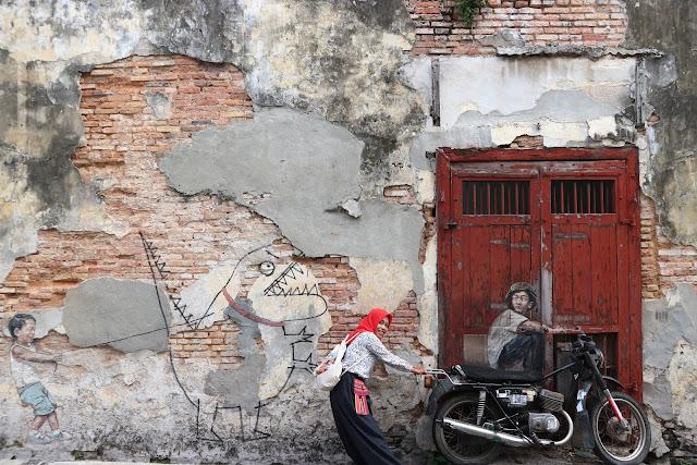 Mural photo lukisan karya ernest kekinian di medan for Mural yang cantik
