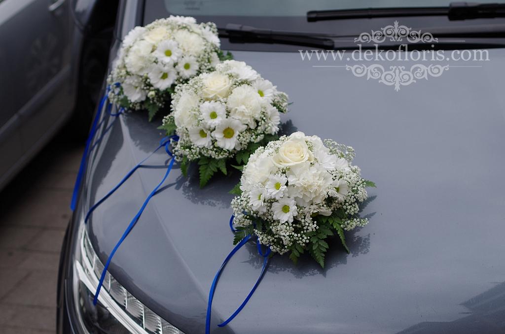 Biała dekoracja ślubnego samochodu Młodej Pary Opole