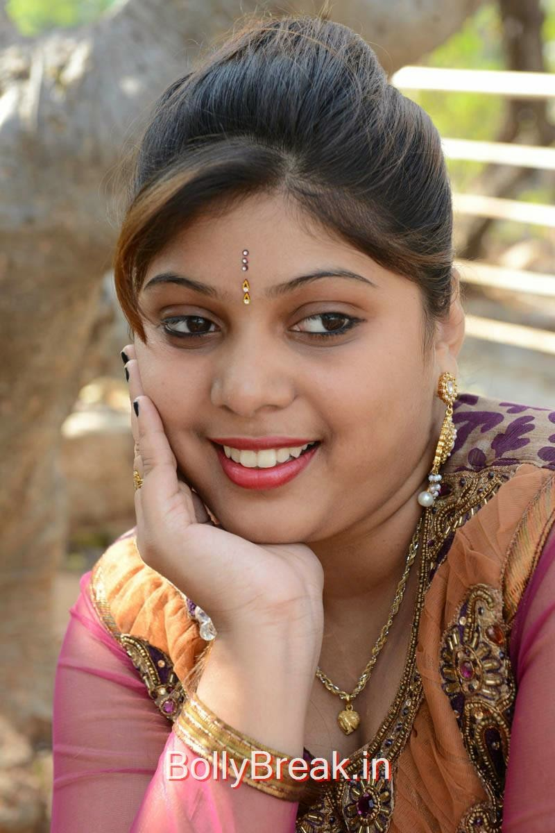 Haritha Photo Gallery, Actress Haritha Hot Pics In Churidar