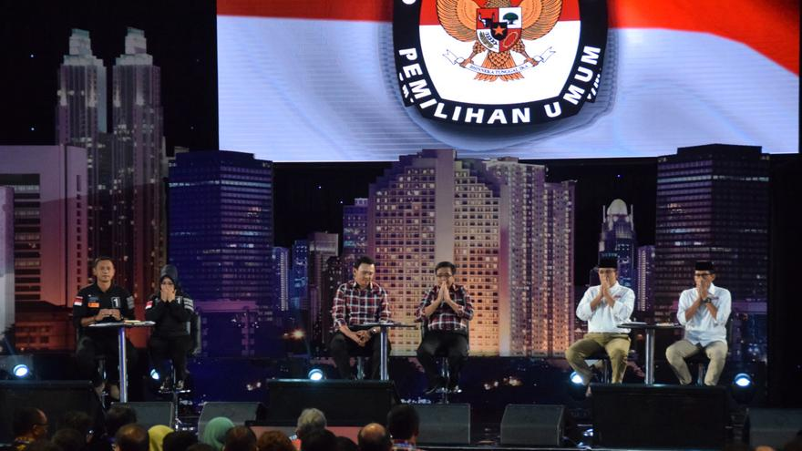 suasana tina talisa-eko prasojo moderator debat pilkada dki jakarta