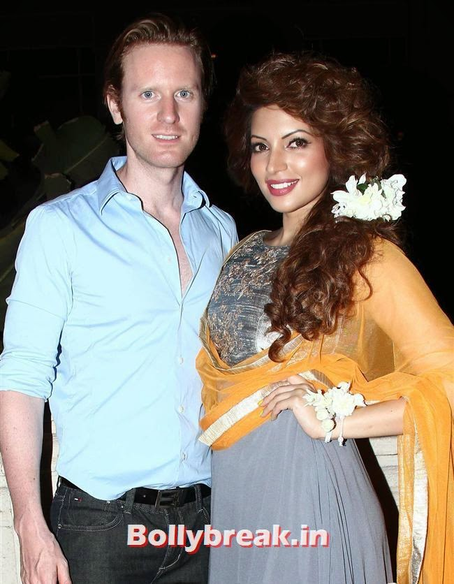 Alex and Shama Sikander, Celebs Sizzle in Ramp at Charity Fashion Show of Smile Foundation
