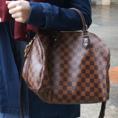 Navy mac coat and Louis Vuitton Damier Ebene 30 speedy bandouliere on arm | AwayFromTheBLue blog