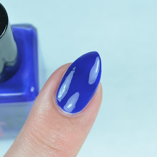 bright blue crelly nail polish