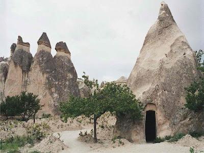 أحد عجائب الدنيا :- مدينة تحت الأرض تتسع لـ 30 الف شخص فى تركيا goreme_open_air_muse