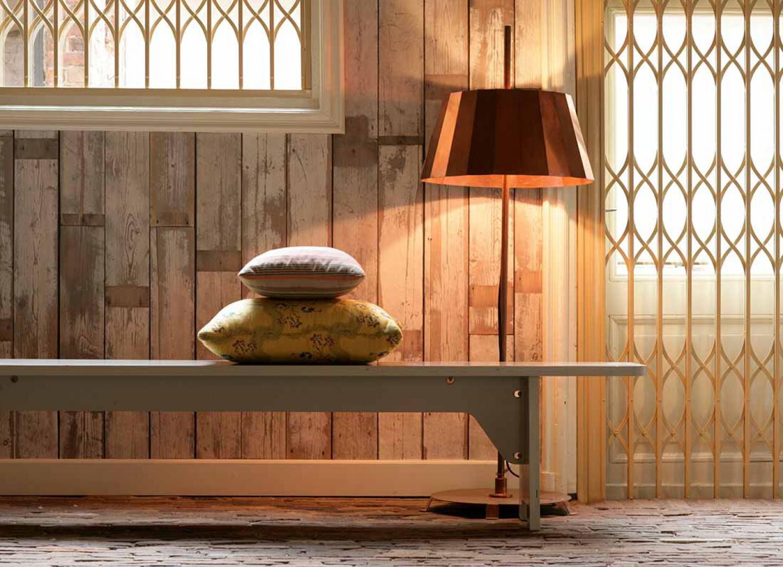 La carta da parati effetto legno ideale per rendere caldo e colorato tutti gli ambienti della casa