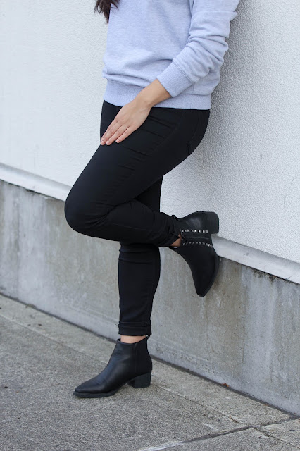 I styled it with a black jean, because my job was manual labor, where I stoked the shelves and swiped the floor and you name it I have done it in my work, so I styled it with a comfy black denim, sometimes I wore it with leggings, like I have done today, but I can totally imagine it with a pencil skirt, maybe black to keep it simple, but with a rose one, you will get a winner. At least, I know that I will wear it with a rose pencil skirt and heels.