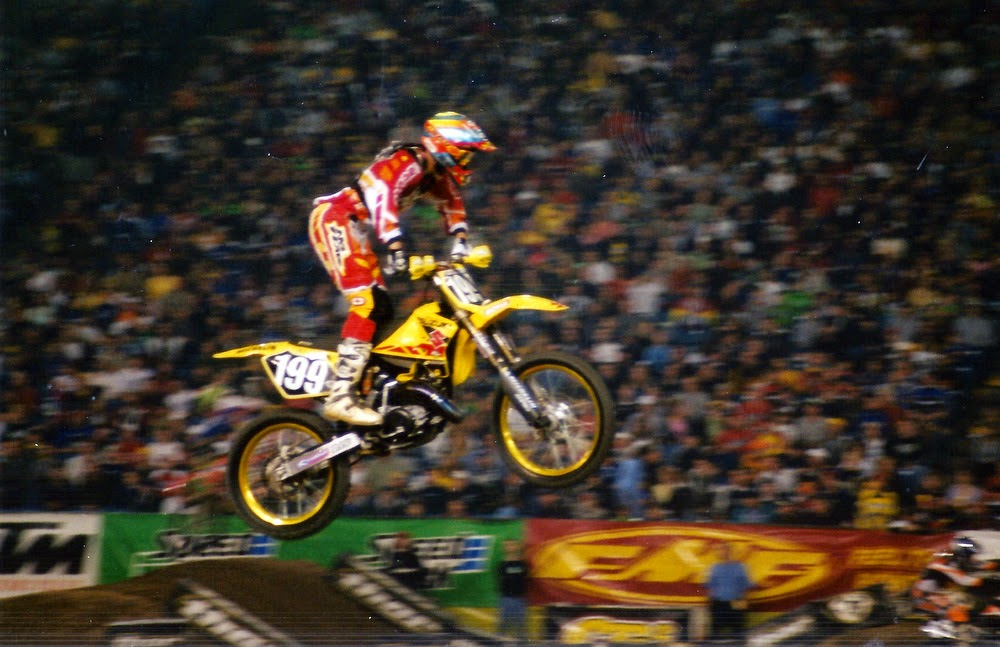 Travis Pastrana Pontiac Supercross 2001