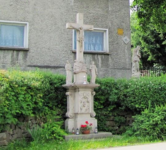 Krzyż przy ul. Radkowskiej w Nowej Rudzie.