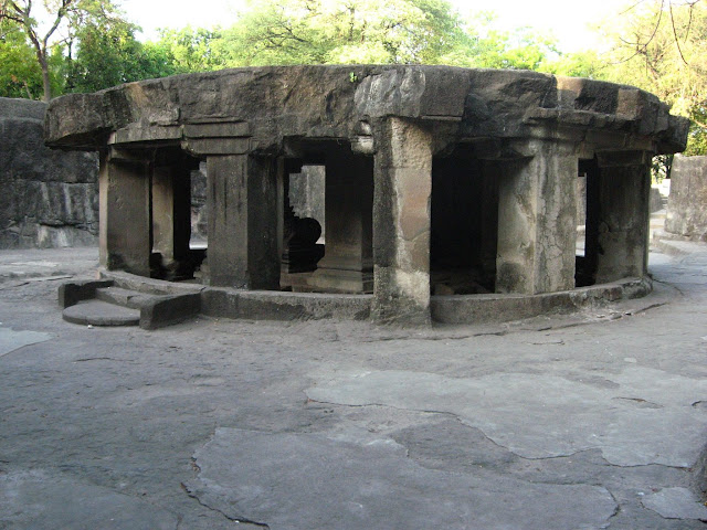 Pataleshwar Cave, Temple