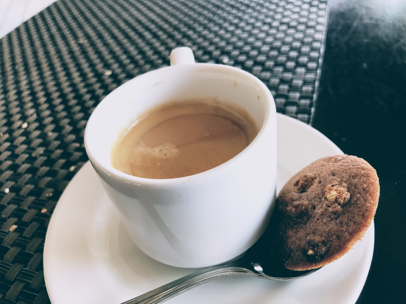環遊世界|大溪地|Te Ava Restaurant @Bora Bora艾美酒店 SPG會員 泡芙 義式咖啡