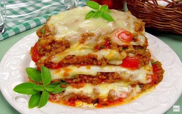 Receita de lasanha Mexicana (Imagem: Rodrigo Moreira/Produção: Livia Badan)