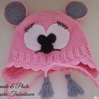 http://translate.google.es/translate?hl=es&sl=en&tl=es&u=http%3A%2F%2Fwww.fabartdiy.com%2Fhow-to-crochet-cute-mouse-hat-and-scarf%2F