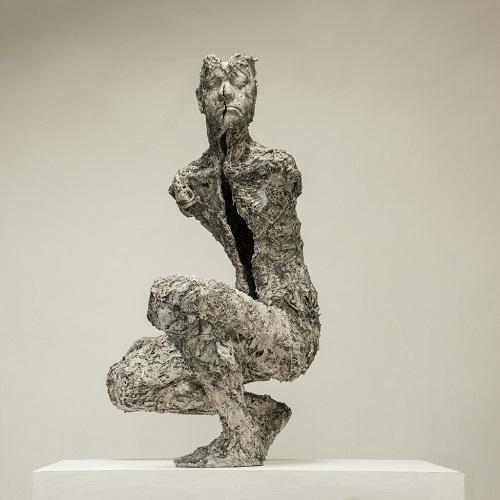 "Anna Gillespie, ""Split"" - Plaster, resin, mixed media   obras de arte figurativo, esculturas figurativas tristes, art pictures, imagenes bellas, sculptures   cool stuff"