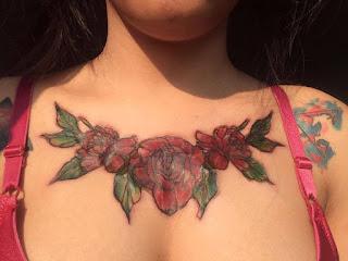 Se hace un tatuaje y su madre la obliga a quitarselo con cremas ácidas