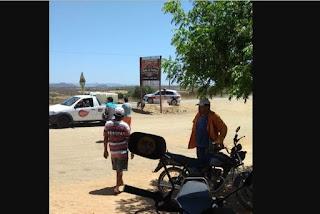 Assaltantes fazem barreira para atacar carro-forte, mas caminhão colide e frustra ação