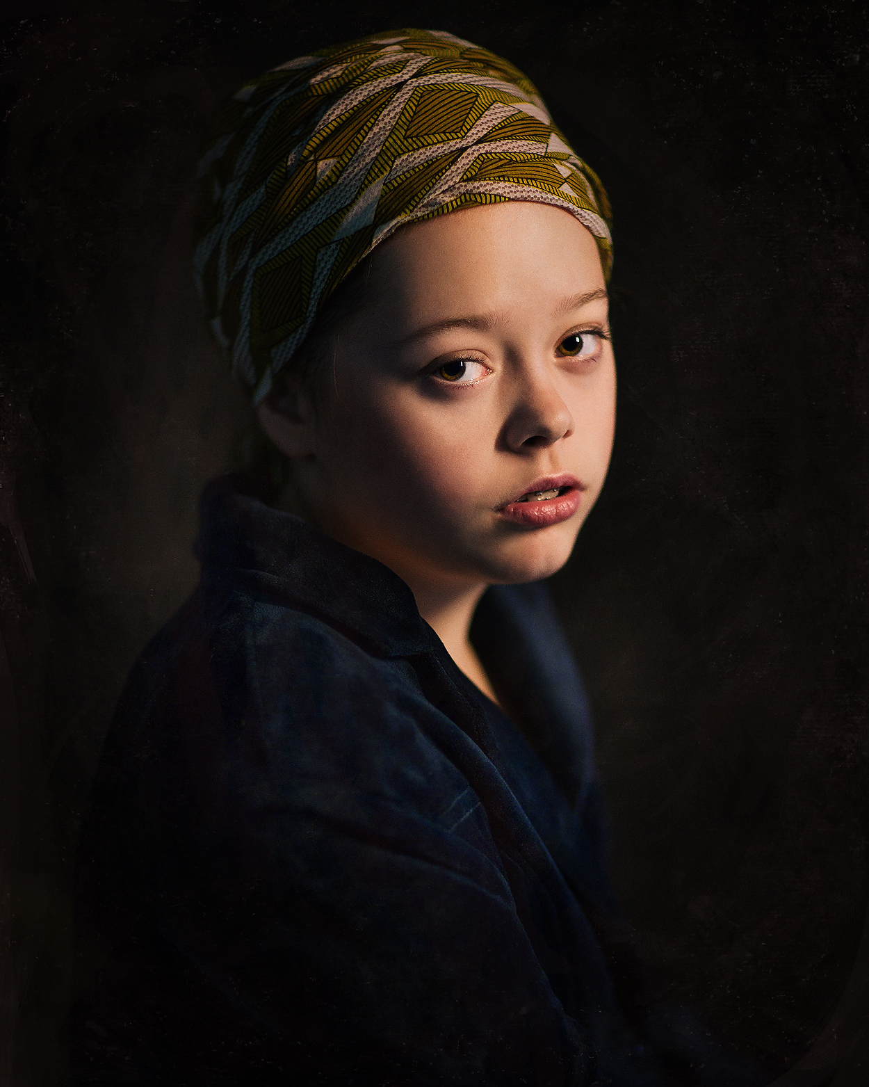 Fine art portrait  based on the painting the girl with the pearl earring of Johannes Vermeer by Willie Kers Photography