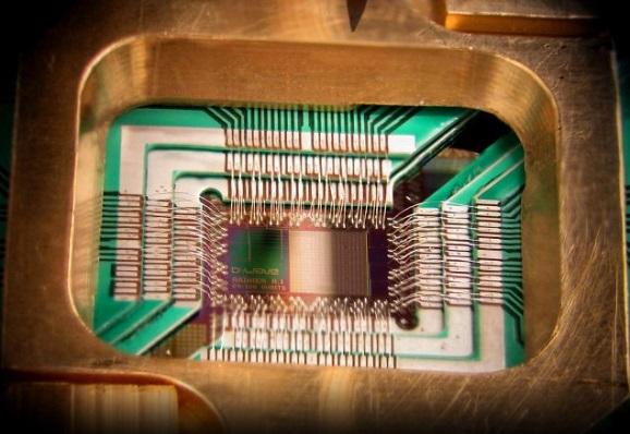 Melirik Teknologi Komputer Masa Depan Melalui Quantum Computer D-Wave