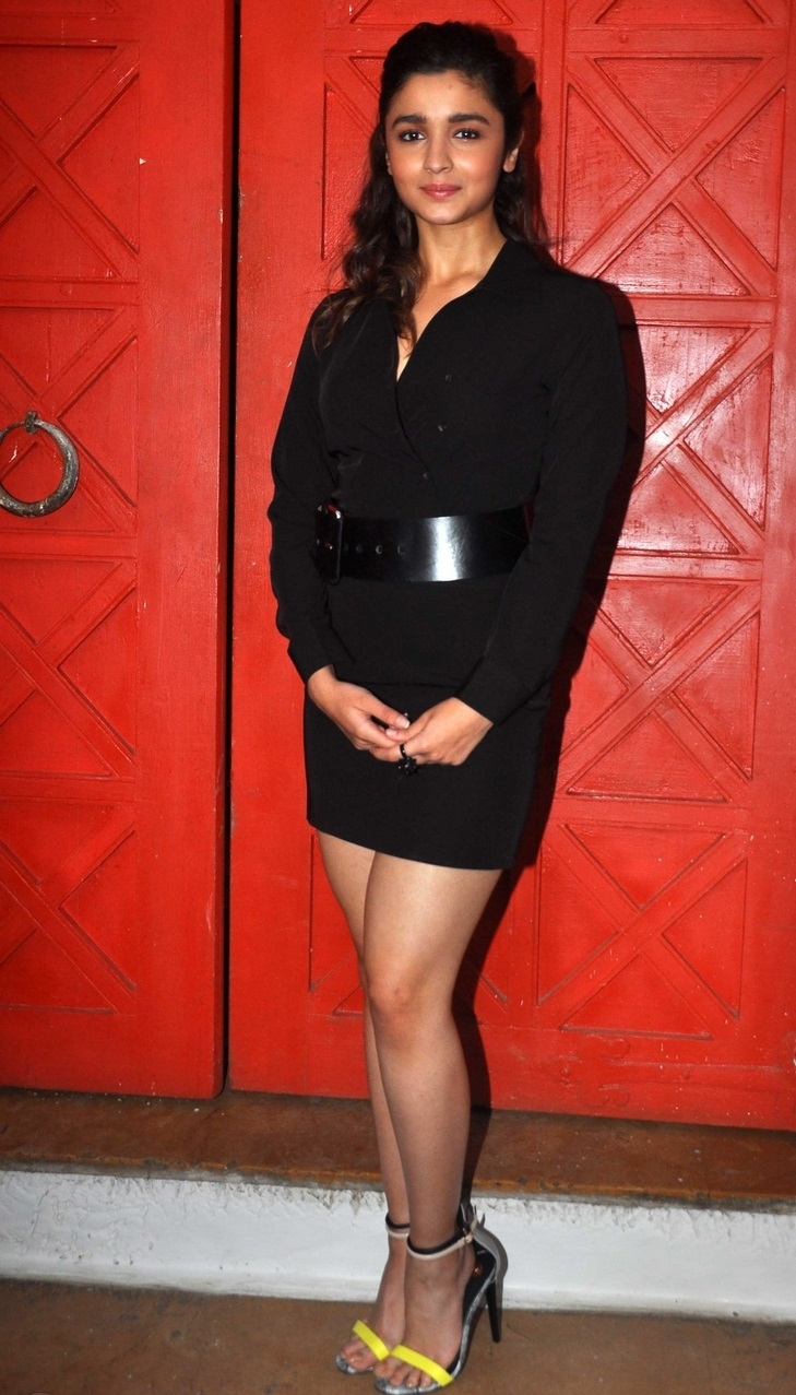 Bollywood Actress Alia Bhatt Long Legs In Black Dress