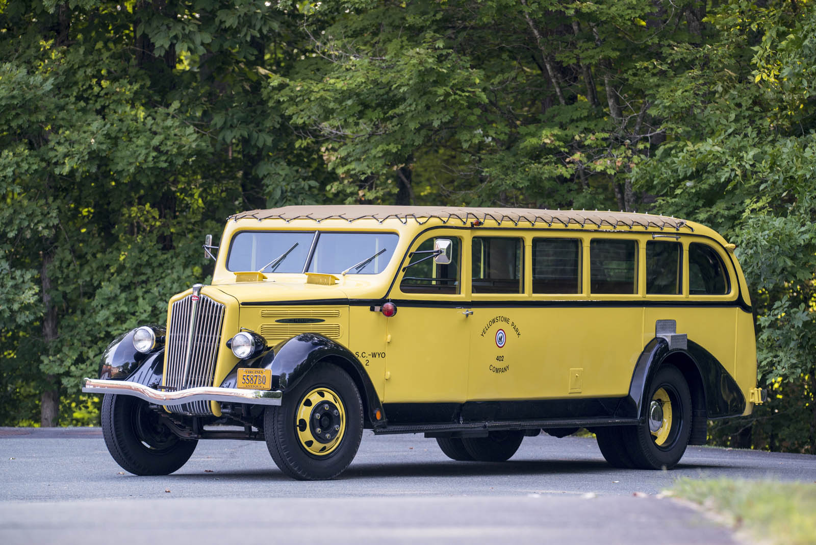 1937-white-yellowstone-bus-1-01.jpg