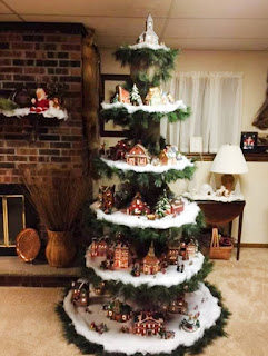 http://kitchenfunwithmy3sons.com/2016/10/diy-creative-christmas-trees.html/