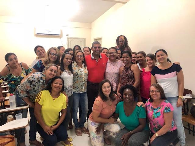 Prefeitura de Alagoinhas promove Dia de Educação continuada e atualização do cartão de vacina dos profissionais de Saúde Bucal da rede Municipal