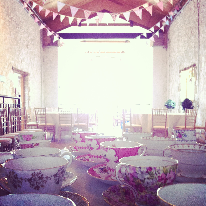 Vintage Barn Wedding Ideas: Fancy Vintage: Vintage Barn Wedding