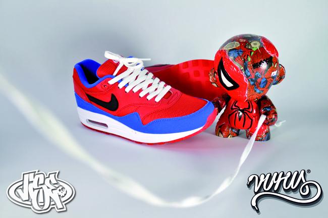 separation shoes 7b7a8 407a5 Jak widać motywem przewodnim Air Max 1 był Spiderman. Zdjęcia pochodzą z  Vise One. Artysta zapowiada że będą kolejne edycje a następną inspiracją ma  być ...